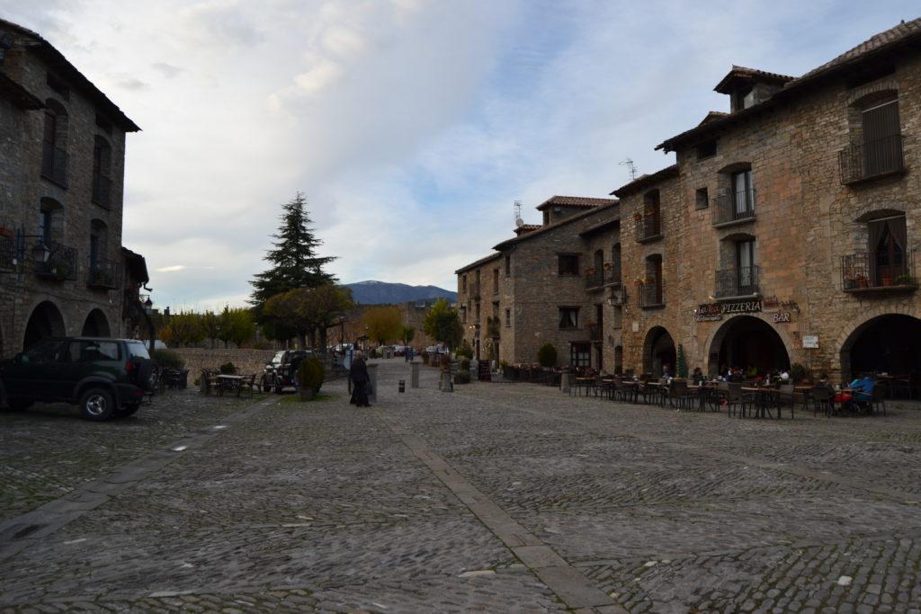 Aínsa en el Pirineo Aragonés