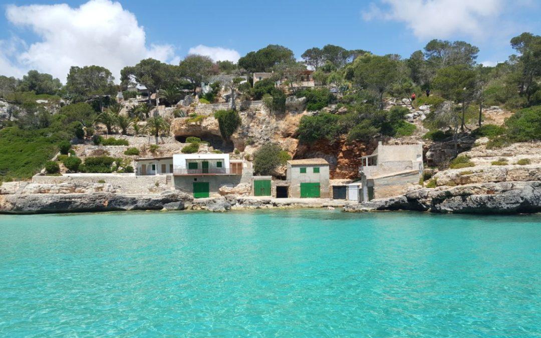 El turquesa más deslumbrante de Mallorca está en Cala Llombards