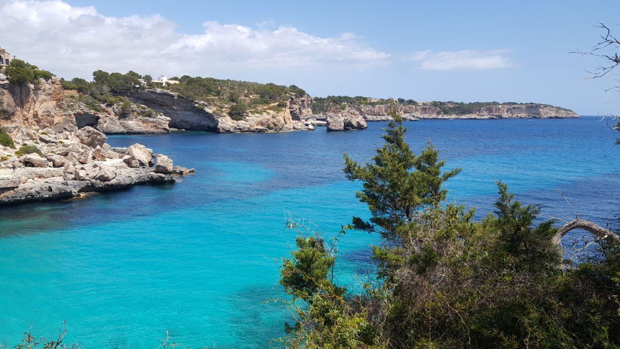 Cómo llegar a Cala Llombards, Mallorca