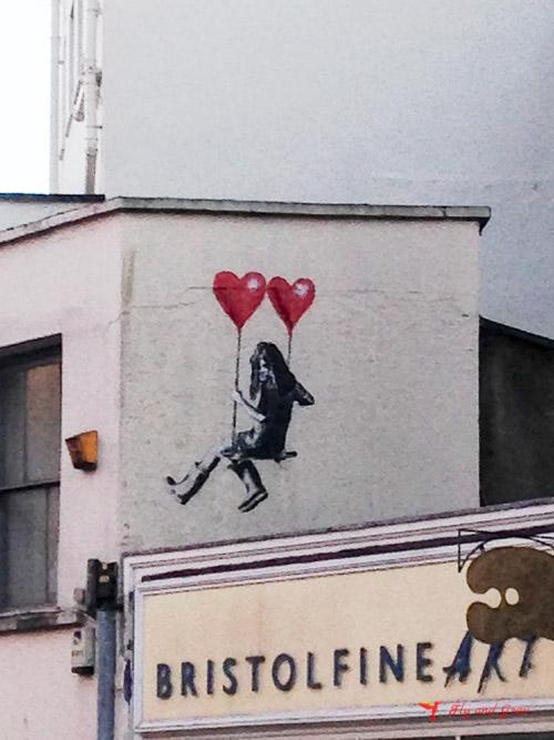 street art columpio