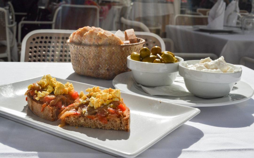 Dónde comer en Ibiza: los mejores restaurantes y platos típicos