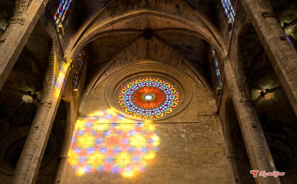 El espectáculo del ocho en la Catedral de Palma de Mallorca