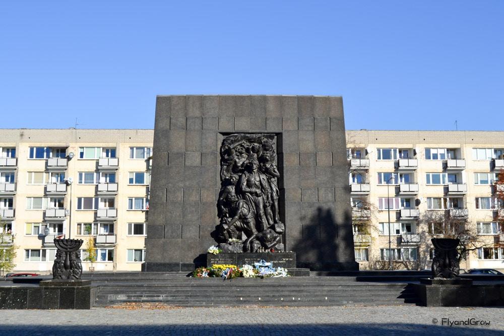 Memorial judío en Varsovia